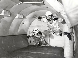 13_Mercury_Astronauts_in_Weightless_Flight_on_C-131_Aircraft