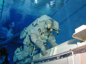 14_NASA_Neutral_Buoyancy_Laboratory_Astronaut_Training